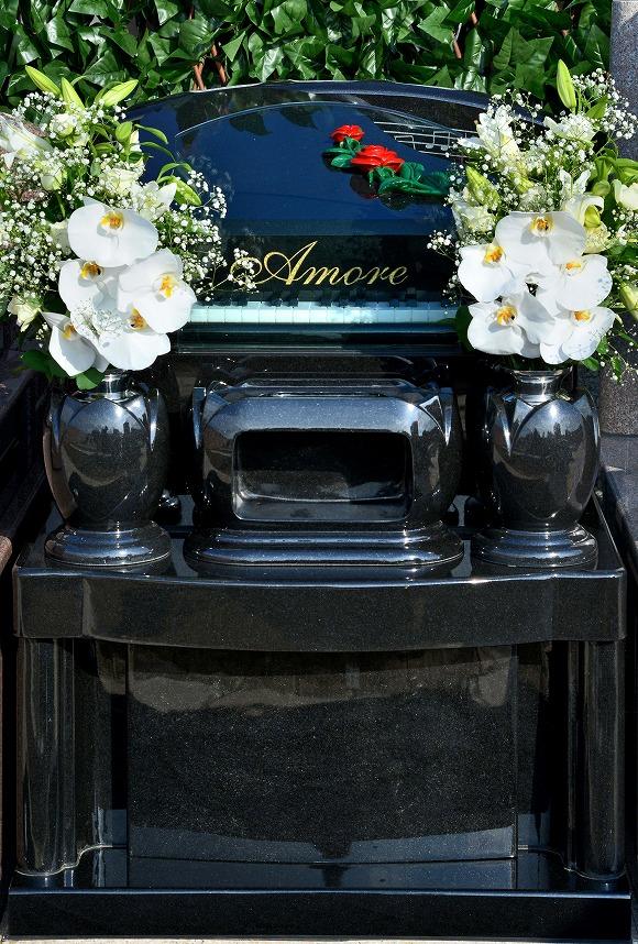 ピアノ墓石2.jpg